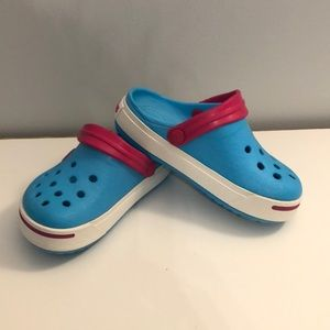 CROCS kids size 8/9 blue and pink